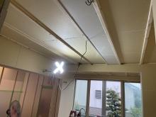 浮き床を施工し、内側に浮き構造のお部屋をつくっています。