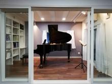 2020年に弊社で施工したピアノ室です。 拡張して15.5畳ほどのピアノホールにつくり変えます。