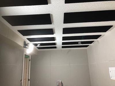 本体工事に引き継ぎ、クロス工事などの内装仕上げをして頂きます。内装仕上げ完了後に壁パネル設置に伺います。