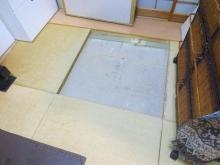 床下と天井の確認です。 マンションの場合、床下や天井裏にスペースがないことが多いです。