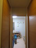 廊下側入り口には木製防音ドアを設置します。