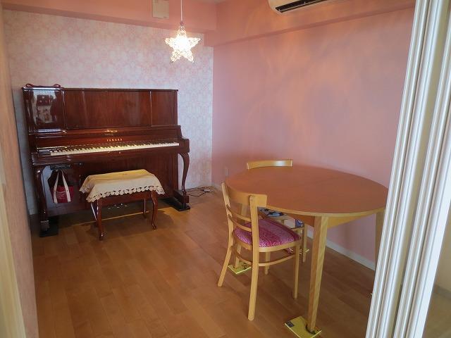 愛知県西春日井郡 ピアノ室改修工事完了しました。
