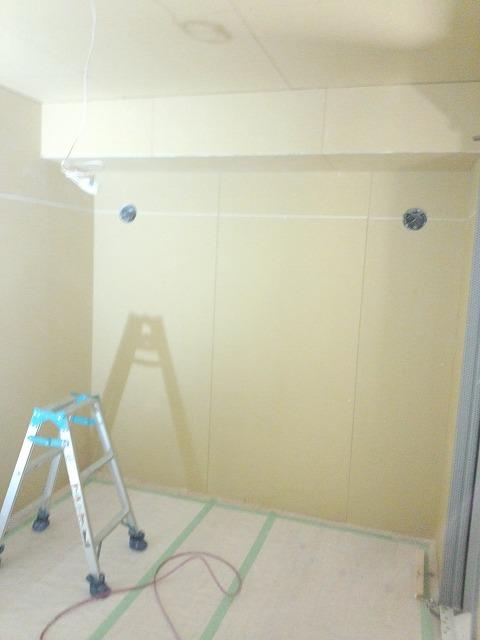 浮き床・遮音壁・遮音天井ができあがりました。