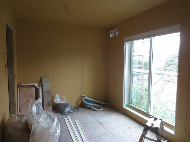 改修前のお部屋です。 ここから遮音補強開始です。