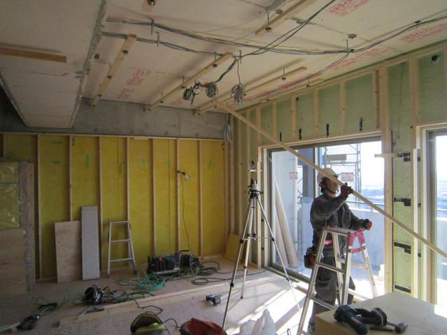 軸組と天井工事です。