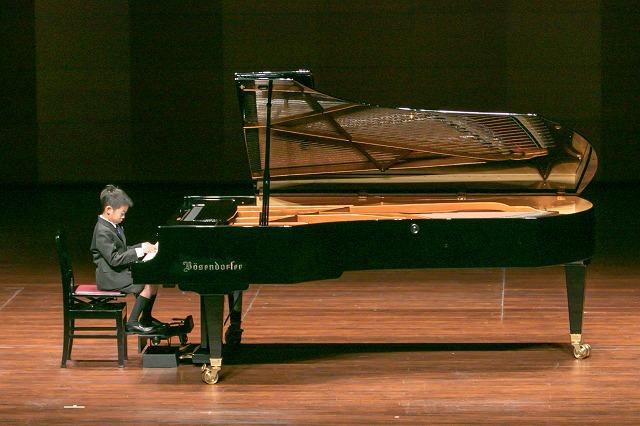 長男ピアノは昨年より成長した姿がみられました。 参加することが大事と思い、親子ともに来年もがんばりたいと思います!
