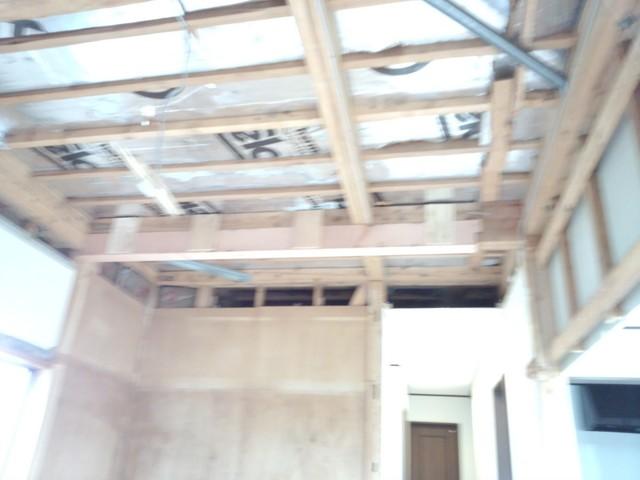 1本邪魔な柱も補強をして抜いてあります。全く構造的に問題ない場合は このような工事もします。
