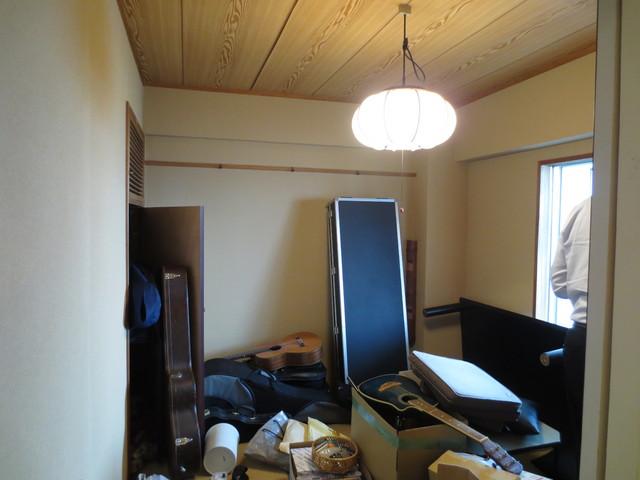 工事前の部屋の様子です。もちろん着工時には荷物がない状態にして頂きました。