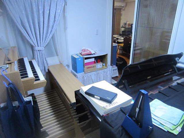 ピアノとオルガンが目いっぱいの状態で設置できました。