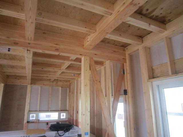 ハウスメーカーさんから引き継いだ 始めの状態です。 ここからリブッテクの施工となります。