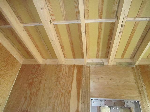 ハウスメーカーさんから引き継いだ状態のお部屋です。ここから当社の施工が始まります。